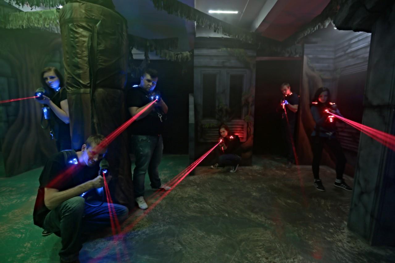 Odreagujte se při laserové hře